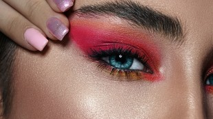 contact-lenses-makeup